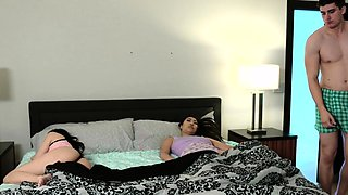 Threesome lil asian teens ride face and dong