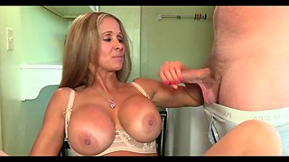 Dirty talking cougar mom wants your cum