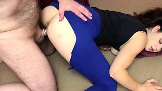 Anastasia Rose is getting laid in her torn leggings