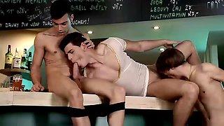 Big Dicked Three Way Pile Up Gives Noah Matous A Cummy Arse