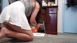 Step daughter coloring in panties lets daddy slip it in