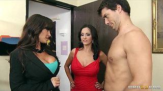 Big-tit brunette MILF Lisa Ann shares big-dick with Ava Adda