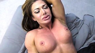 Muscular stepmom goes to stepsons bedroom to get fucked