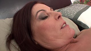 Randee Reed Has Her Pussy Licked By Lesbian Friend