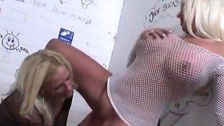 Sintia Stone Dutch blonde lesbian toilet