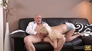 DADDY4K. A man sends his son away just for the opportunity to drill his girlfriends hairpins