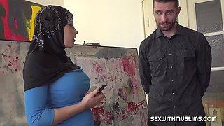Muslim beauty negotiates with sex deepgf.com