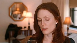 Amanda Seyfried and Julianne Moore - 'Chloe'