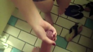 A YOUNG PIKAPER INVITED AN AMERICAN STUDENT TO A PIZZERIA AND FUCKED HER PUSSY IN A PUBLIC TOILET