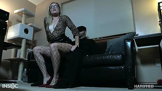 Sexy flexible bitch loves rope bondage and she's got a pretty pink pussy