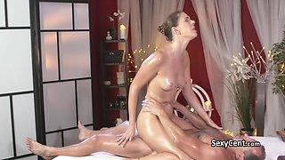 Milf beauty got massage and cumshot