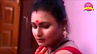 Indian Sexy Aunty Has Romance with Devar on Bed