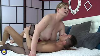 mature bbw mother gets taboo sex from son