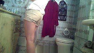 hidden cam toilet 2
