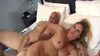 Jodi West – mom and stepson have sex in a hotel room