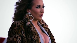 Brazzers - Hot And Mean - Phoenix Marie Riche